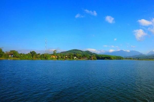 Hồ Phú Ninh, khu du lịch sinh thái lý tưởng bậc nhất