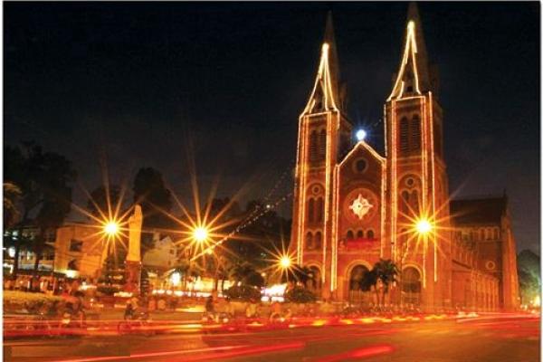 Mách bạn địa điểm chơi Noel cực hot ở Sài Gòn
