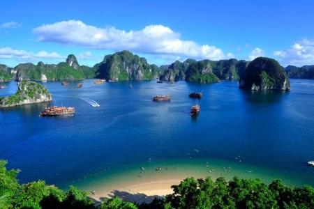 """Khám phá 10 địa điểm du lịch """"hot"""" nhất Việt Nam"""
